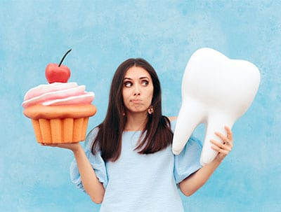 blog-featured-image-sweet-tooth-with-braces